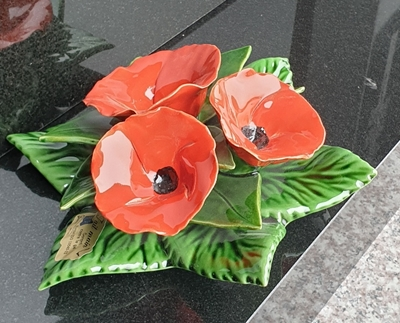 Ceramic 17cm Bouquet of Red Poppies