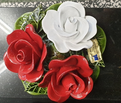 Ceramic 16cm Bouquet Of Vibrant Red And White Roses