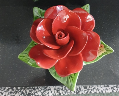 Ceramic 17cm Single Vibrant Red Rose